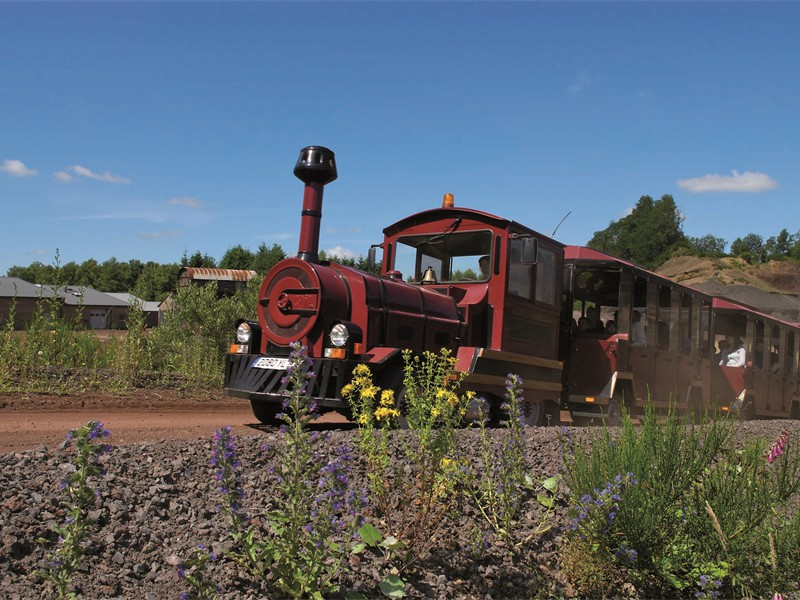 PETIT TRAIN - VOLCAN DE LEMPTEGY